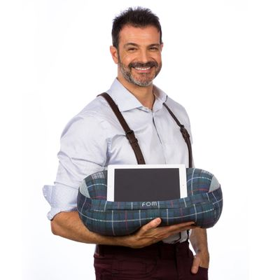 Almofada-Rolo-Porta-Tablet